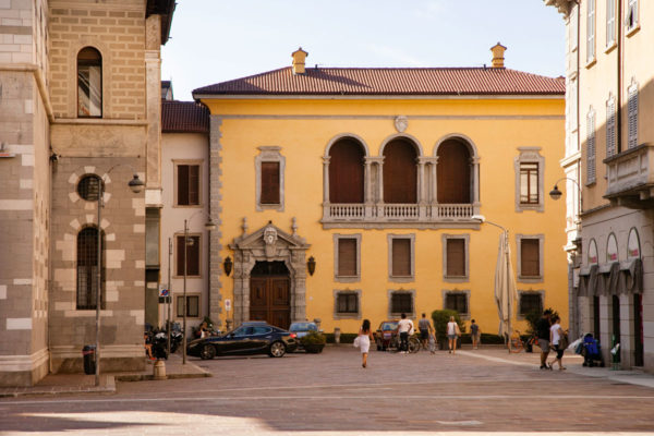 Palazzo Storico Piazza Duomo