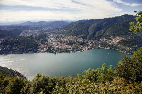 Panorama dal Faro Voltiano sul lago di Como