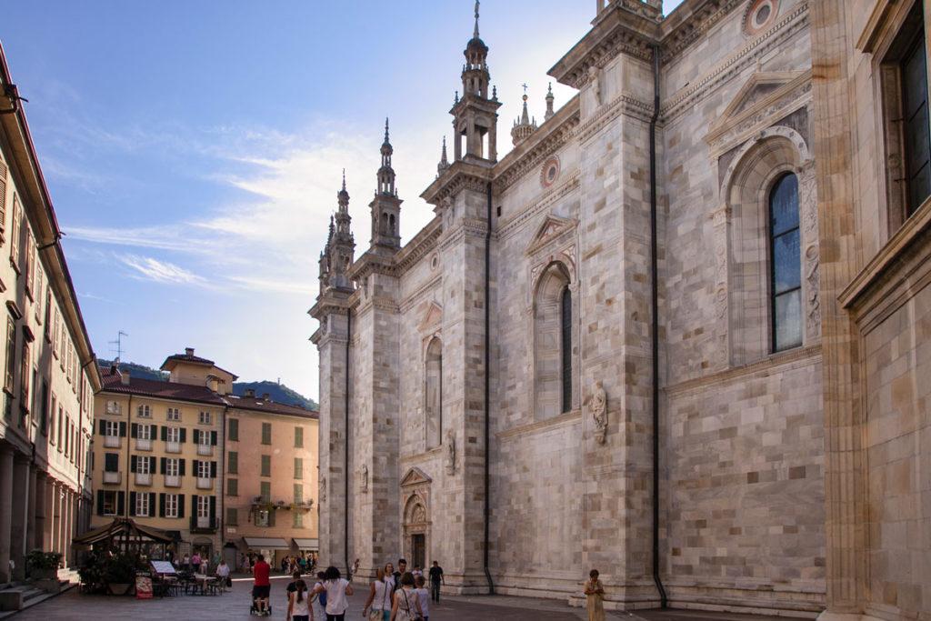 Pinnacoli e Fianchi del Duomo di Como