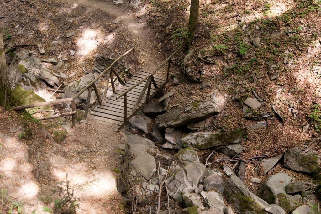 Ponte di legno sulla Cascata degli Scalandrini