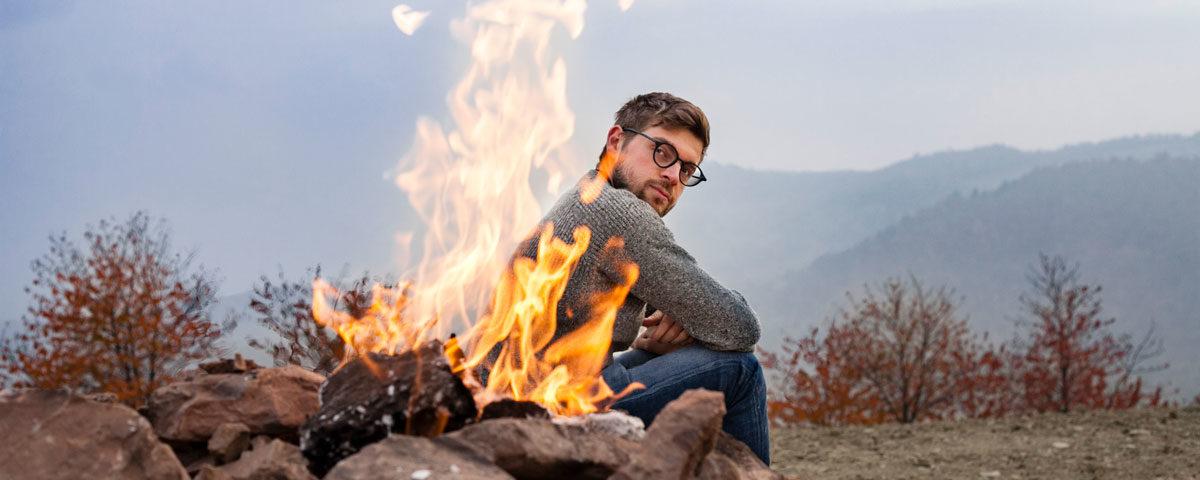 Ritratto Ragazzo in Mezzo al Fuoco del Vulcano del Monte Busca