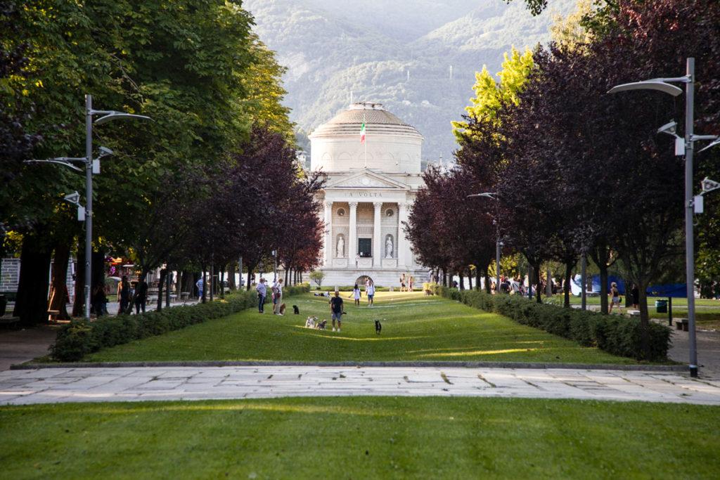 Tempio Voltiano sul Lungolago di Como