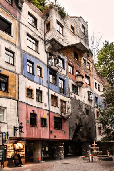 50 Appartamenti popolari a Est di Vienna - Hundertwasserhaus