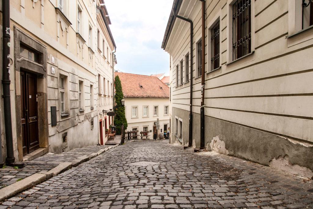 A passeggio per la città vecchia di Bratislava - vicoli