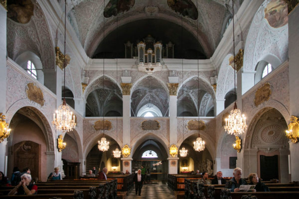 Archi e Organo dentro al duomo di Klagenfurt