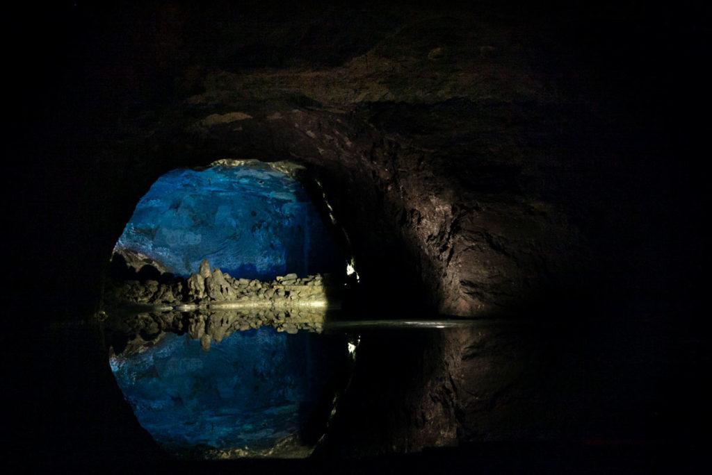 Blue lake - il piccolo lago blu profondo tre metri