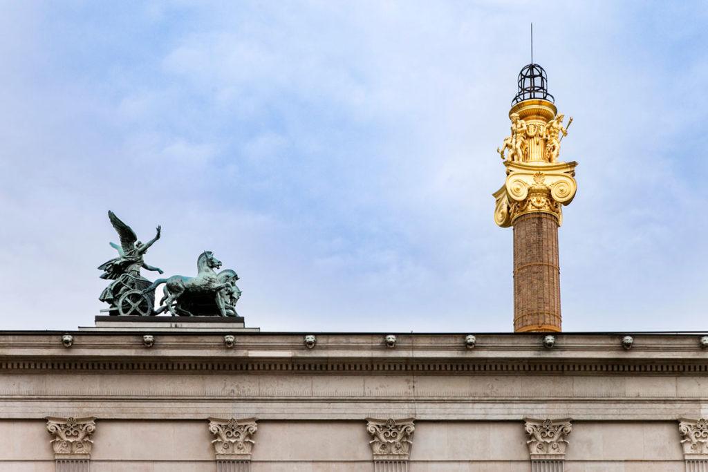 Dettaglio sul tetto del parlamento di Vienna
