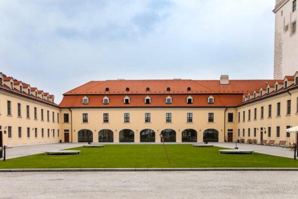 Edifici nella Terrazza Ovest del Castello