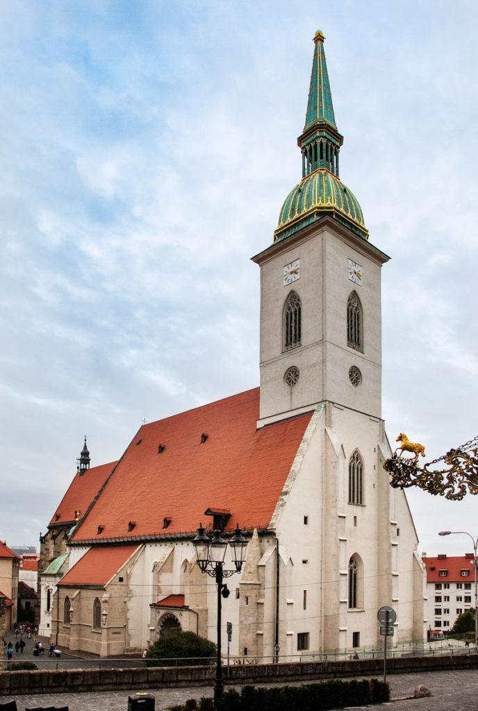 Facciata del duomo di Bratislava - Cattedrale di San Martino