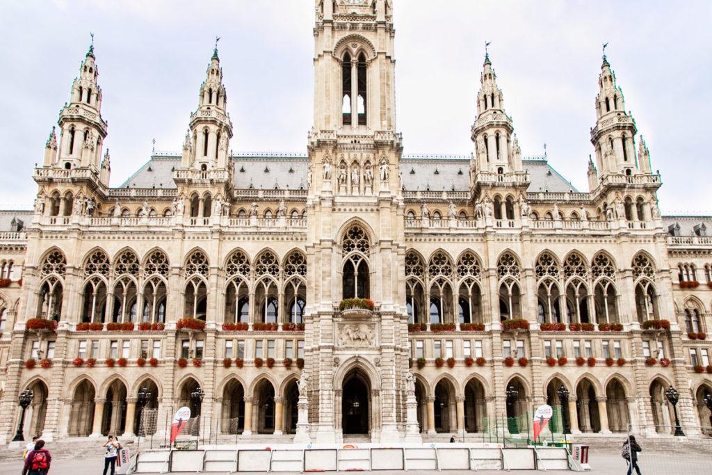 Facciata neogotica del Nuovo Municipio - Vienna
