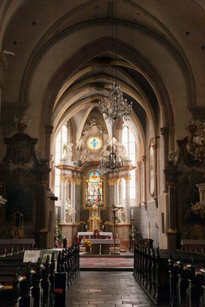 Interni della Chiesa Francescana