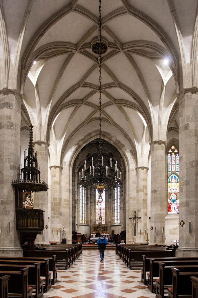 Interni e Altare della Chiesa di San Martino