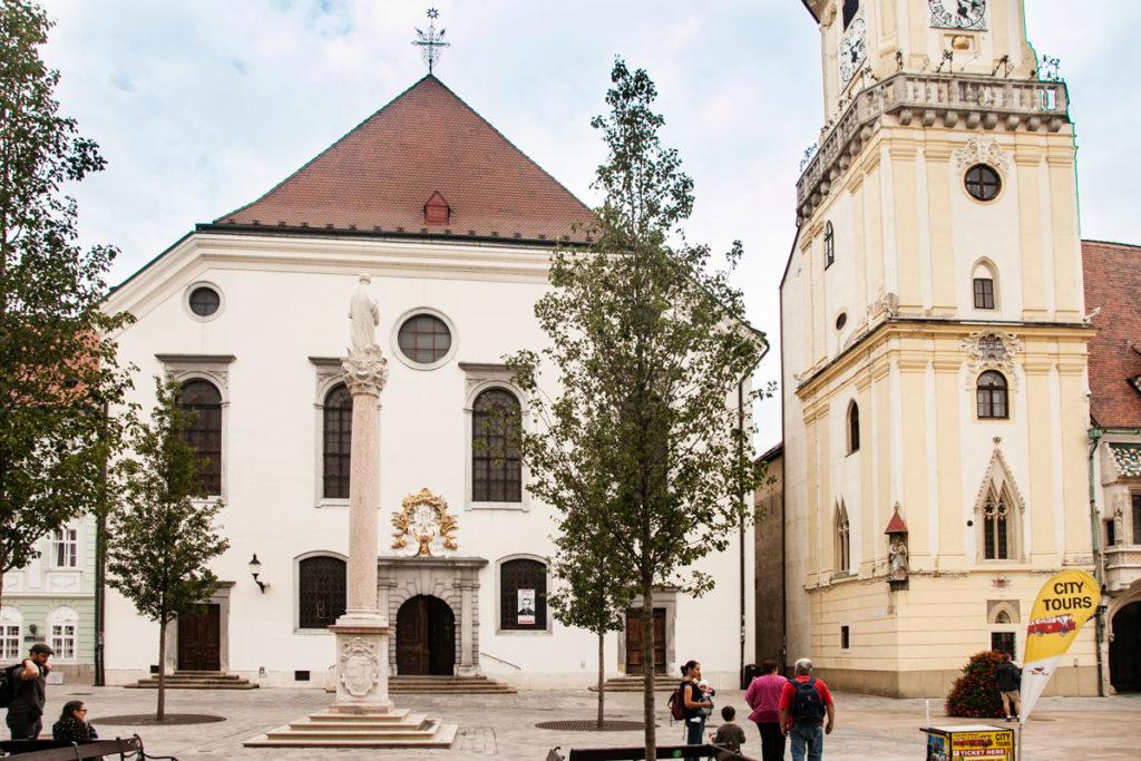 Kostol Najsvatejsieho Spasitel'a - Chiesa Gesuita a Bratislava
