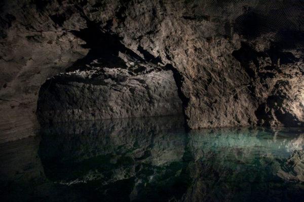 Lago di 6200 metri quadri - profondo mediamente un metro e venti - Seegrotte