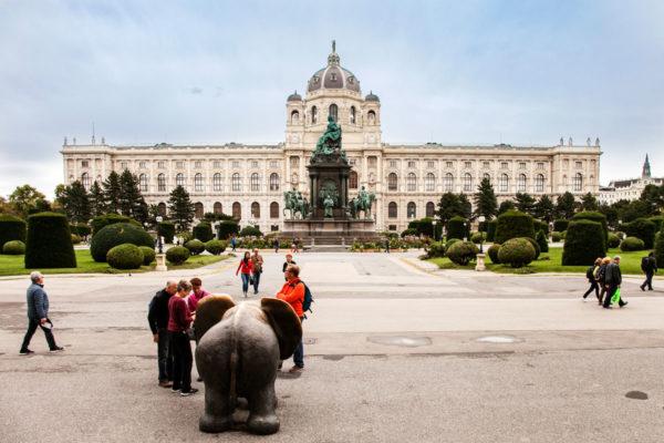 Maria Theresien Platz - Museo di Storia dell'Arte e Statua di Maria Teresa