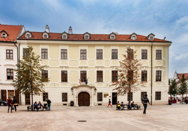 Miestodrzitelsky palac bratislava - Palazzo di Servizio per il Governo
