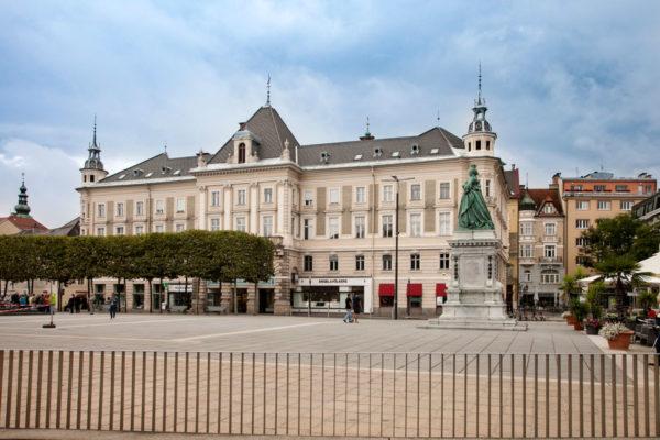 Neuer Platz - Piazza Nuova - Cosa vedere a Klagenfurt