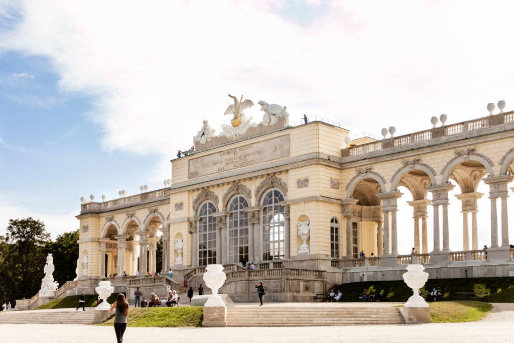 Salita fino alla Gloriette del castello di Schonbrunn