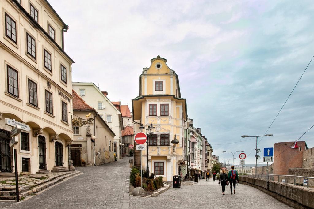 Salita nella città Vecchia - Verso il Castello