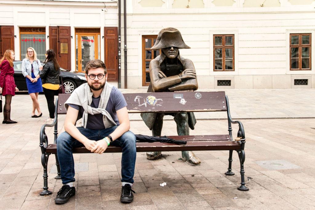 Statua del Soldato che Somiglia a Napoleone Bonaparte a Bratislava