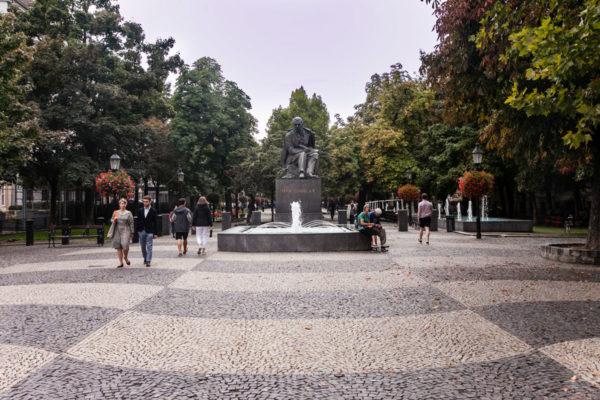 Statua e Piazza Hviezdoslav
