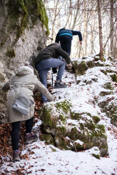 Tra le Neve e le Rocce Scivolose