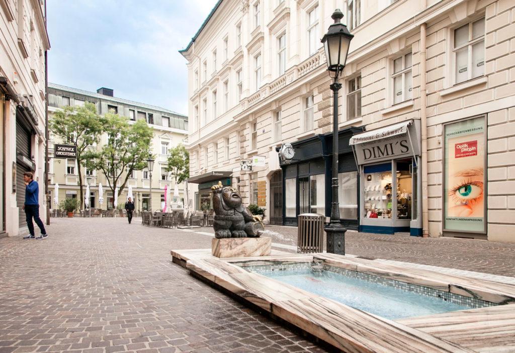 Wortherseemandl - Fontana con gnomo nel centro di Klagenfurt