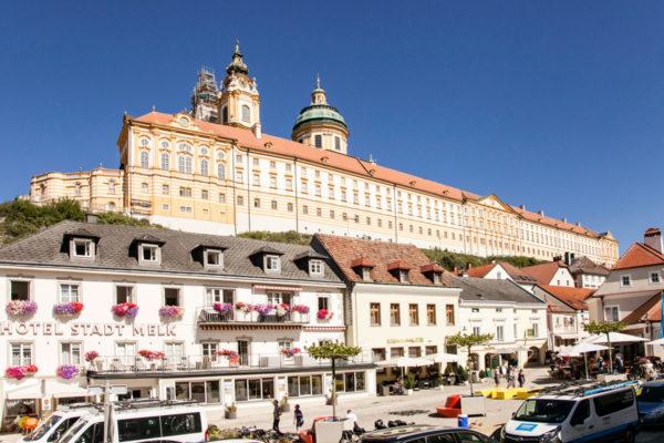 Abbazia sul centro Storico - Hauptplatz