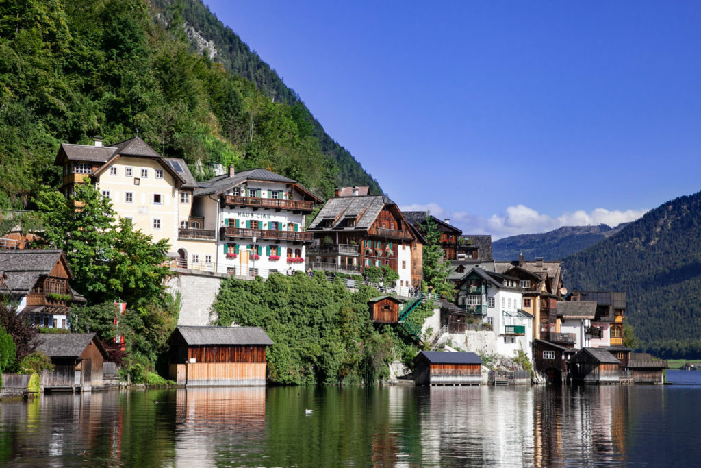 Centro storico sul lago