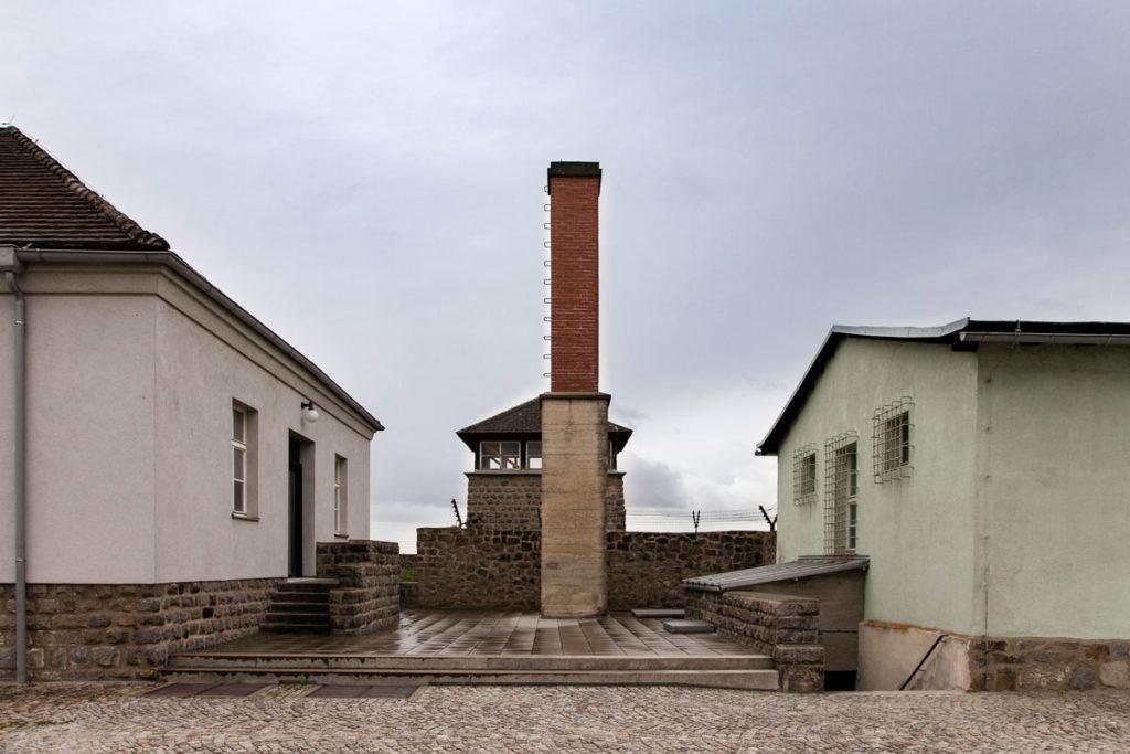 Ciminiera del forno crematorio - Lagher di Mauthausen - Olocausto