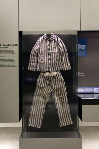 Divisa originale del deportato nel campo di concentramento di Mauthausen