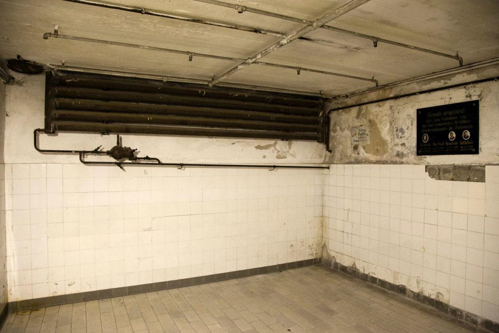 Docce - Camera a gas - Zyklon B - Uccisione di ebrei nel lagher di Mauthausen