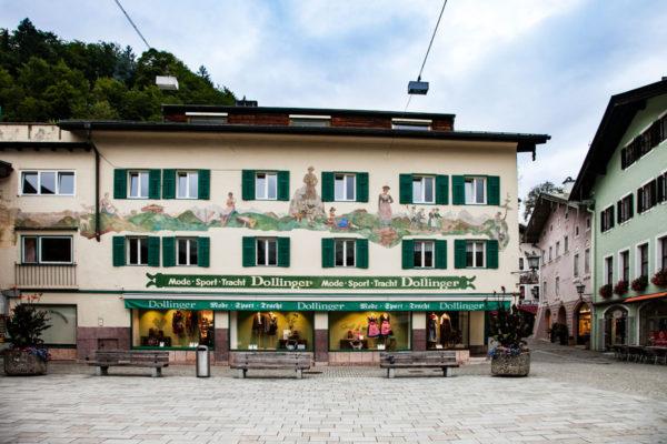 Dollinger - Negozio Affrescato nel centro storico