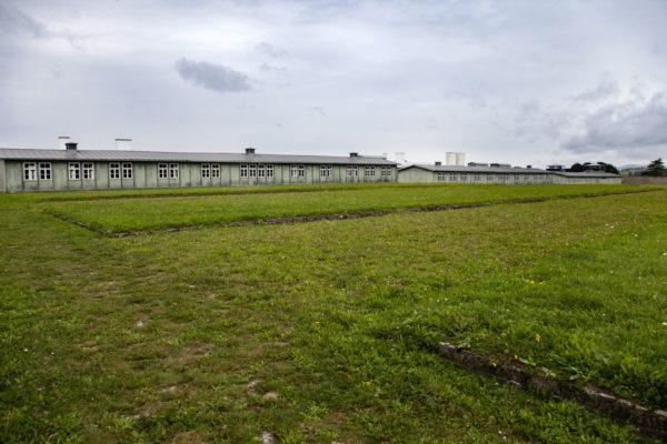 Fondamenta di baracche scomparse