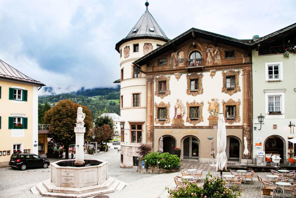 Fontana Marktbrunnen in Marktplatz - Borgo Tedesco di Berchtesgaden