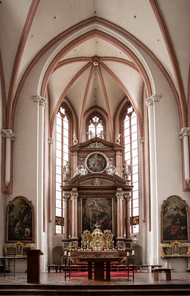 Interni - Navata e Altare della Chiesa dei Santi Pietro e Giovanni Battista - Berchtesgaden