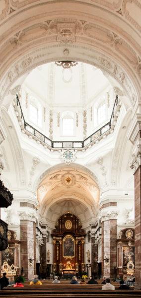 Interni della chiesa Gesuita di Innsbruck