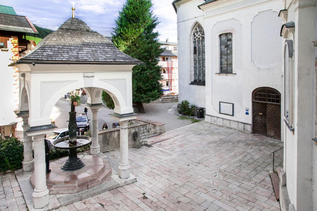 Piccola fontana esterna la chiesa - la Fontana del Pellegrino