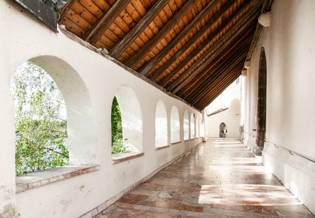 Porticato della chiesa parrocchiale sul Wolfgangsee