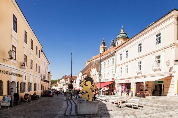 Rathausplatz di Melk - Negozi e Artigiano Austriaco