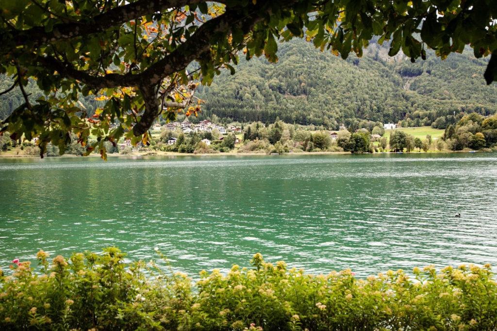 Scorcio nel lato austriaco di Fuschl am See