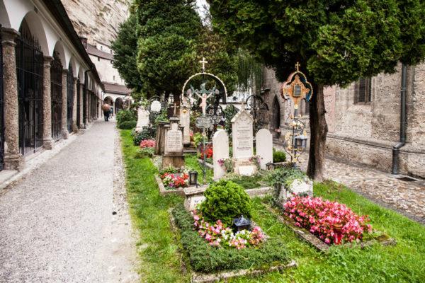 St Peter - Il cimitero nella chiesa vicina al duomo - Catacombe