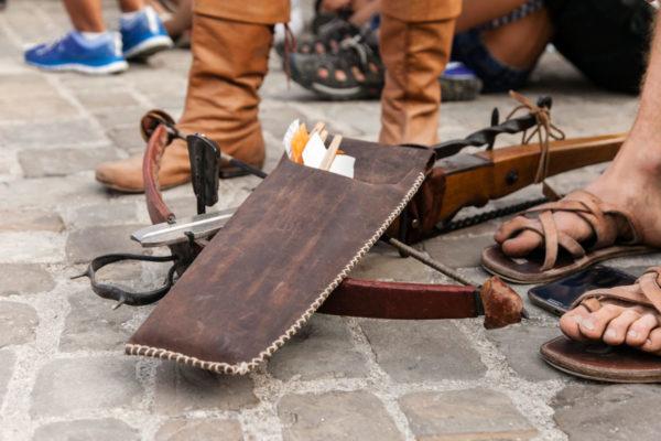 Balestriere in Attesa del proprio Turno - Palio del Daino - Rievocazione Medievale