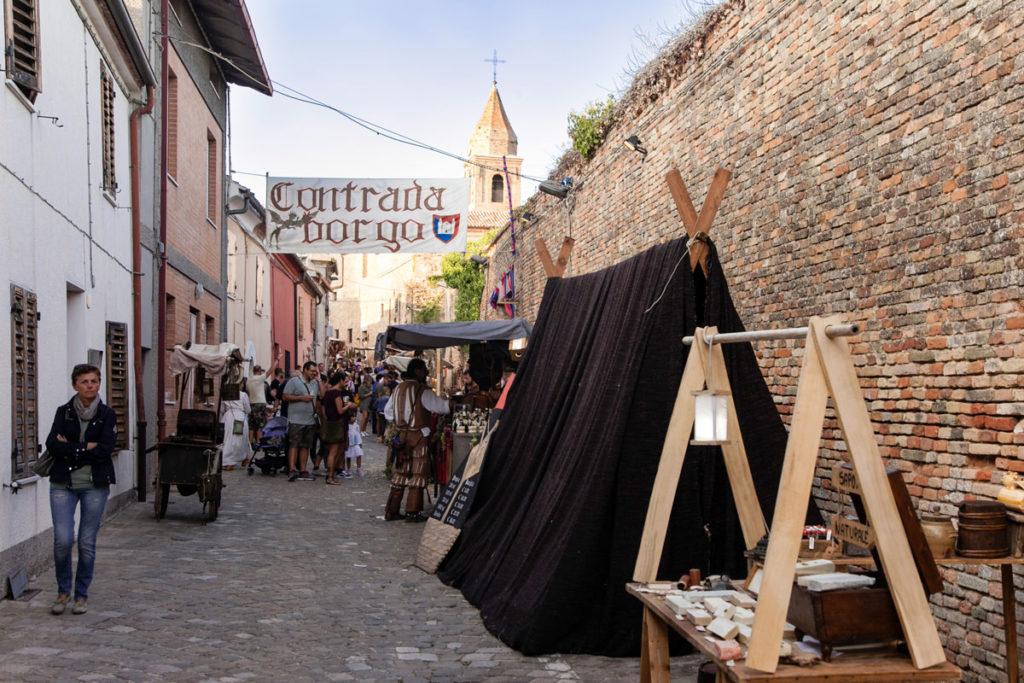 Contrada Borgo su Via Maggiore
