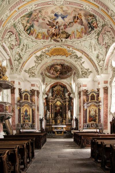 Interni della Chiesa di San Michele Arcangelo