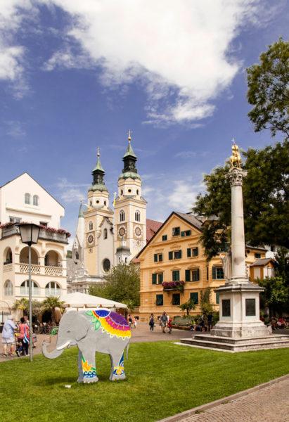 Colonna Millenaria - Duomo e Installazione Arte Contemporanea Brixen
