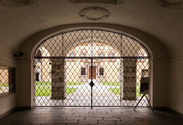 Ingresso alla corte di Palazzo Vescovile