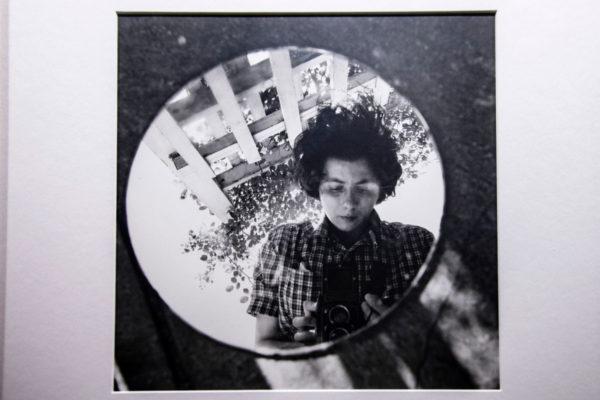 Vivian Maier - Autoritratto allo specchio