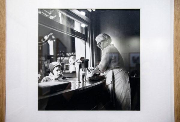 Vivian Maier - Ritratti di Infanzia e vita di Strada