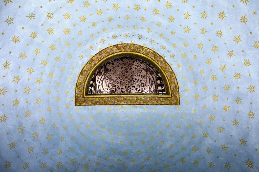 Apertura sul soffitto verso la tomba